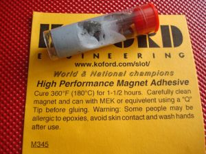Koford colla epossidica per magneti ad alta temperatura